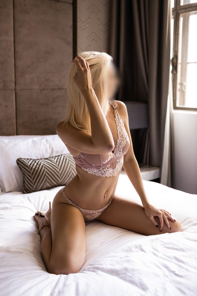 Giselle Gorgeous Blonde Masseuse Sydney
